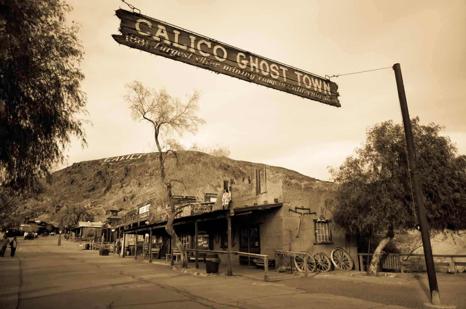 A picture of a street in Calico Ghost Town, suitable for pets, California